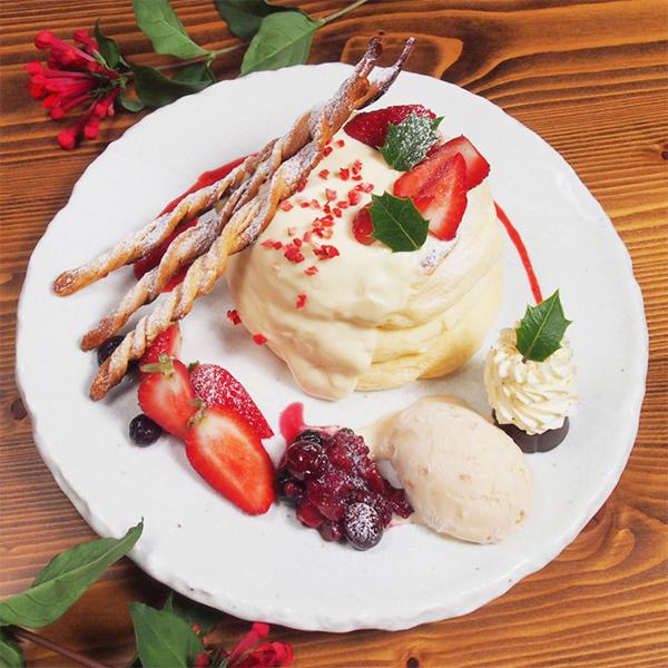 季節のスペシャルパンケーキ<br>クリスマスパンケーキ<span>[1日限定20食 ]<span><br><span>Seasonal special pancakes<br>Christmas pancakes<br> [Limited to 20 serves per day]</span><br>¥1,280